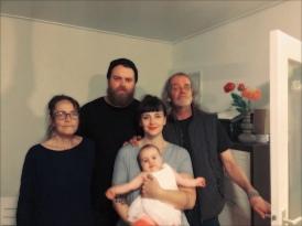 Familieportret, maar helaas zonder Johan's zoontje Kōji